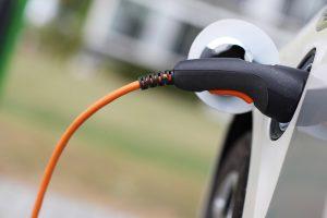 Wie kommt die Sonne in die Batterie meines Elektroautos ?